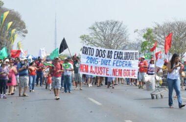 Movimentos sociais protestam na Esplanada dos Ministérios