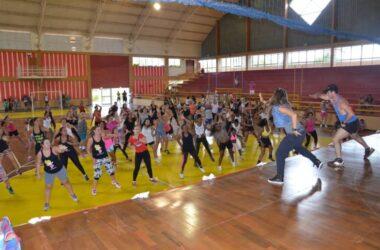 Mais de 200 companheiras participam das comemorações do Dia da Mulher