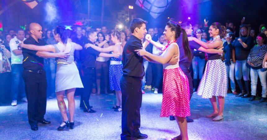 Em julho, abrem novas turmas de dança de salão e sertanejo universitário