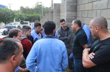 Körper: trabalhadores cruzam os braços por conta do atraso salarial