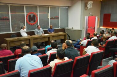 Sindicato e demitidos daSifcoreivindicam 40%da multado FGTS