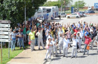 Sindicato mobiliza trabalhadores em seis empresas da região