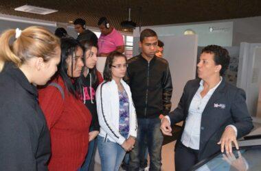 Jovens da Apae Jundiaí visitam Museu do Metalúrgico