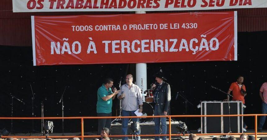 No ato político de Primeiro de Maio: todos contra o PL 4330!