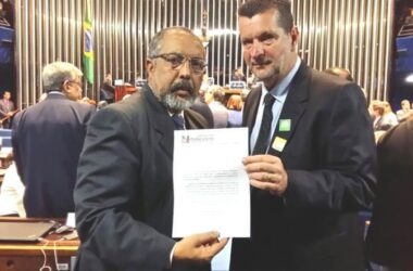 Em Brasília, Sindicato entrega documento contra terceirização