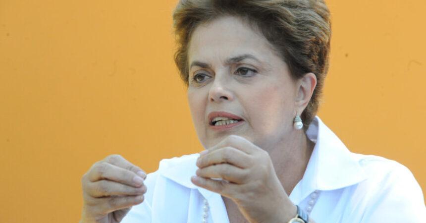 Cautelosa com a Previdência, Dilma veta reajuste do salário mínimo para aposentadorias