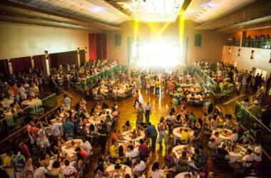 Baile da Primavera atrai mais de mil pessoas ao Espaço M
