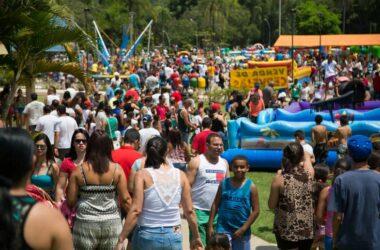 Mais de 10 mil pessoas se divertem na festa do Dia das Crianças