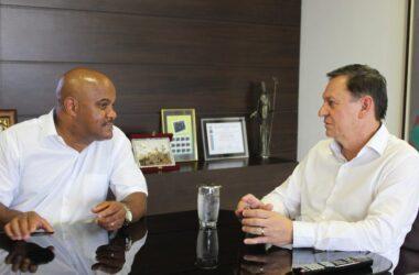 Diretor e vereador Caé se reúne com prefeito Pedro Bigardi