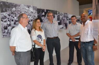 Diretoria da Mahle visita a sede e conhece o Museu do Metalúrgico