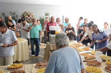 Aposentados comemoram seu dia com café da manhã no Sindicato