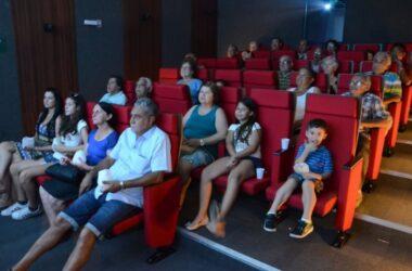 """Exibição de """"Um Caipira em Bariloche"""" lota CineArte"""