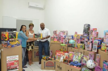 Sindicato dos Metalúrgicos entrega brinquedos para Prefeitura de Jundiaí