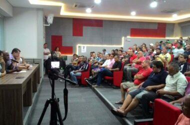 Trabalhadores da Sifco participam de reunião no Sindicato
