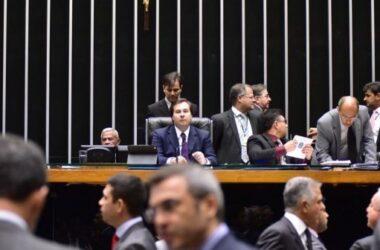 Projeto que regulamenta a terceirização será votado hoje (21)