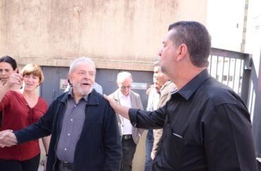 """""""Eles rasgaram a CLT, que é um acúmulo de conquistas"""", diz Lula em reunião reservada"""