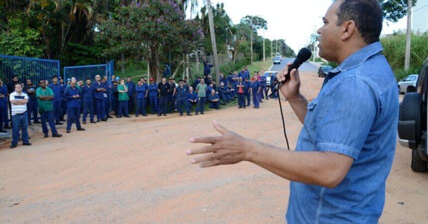Sindicato se reúne com trabalhadores da Elino em assembleia de conscientização