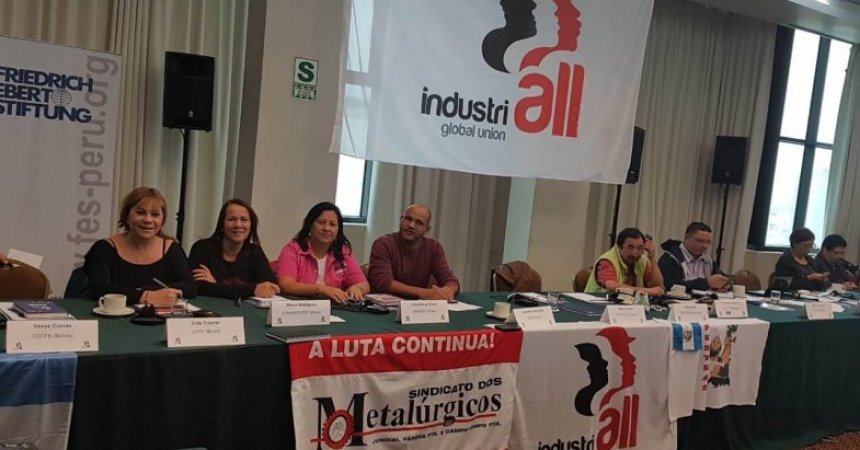 Diretor sindical participa de conferência trabalhista no Peru