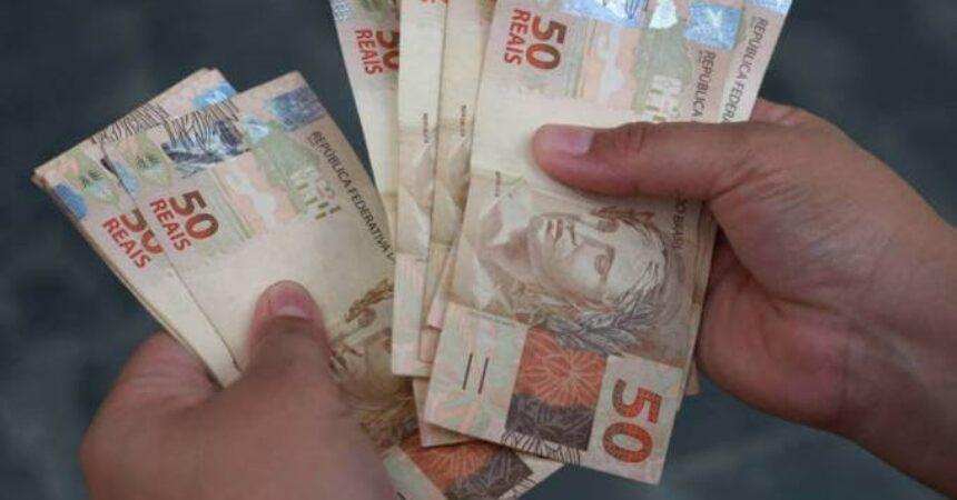 Novo governo define que valor do salário mínimo em 2019 será de R$ 998,00