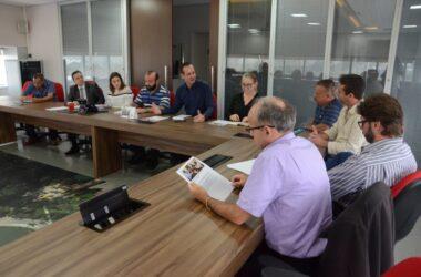Saúde do trabalhador: sindicalistas e representantes municipais debatem projeto de centro de saúde