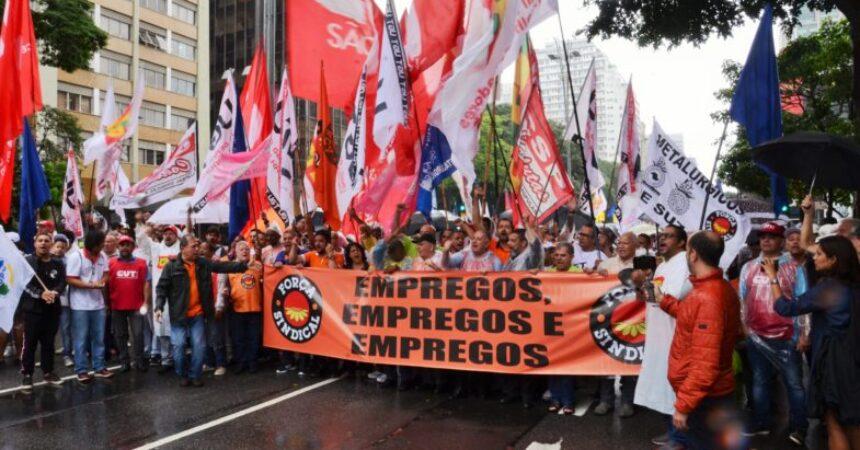 Centrais sindicais realizam ato em defesa do emprego e dos direitos