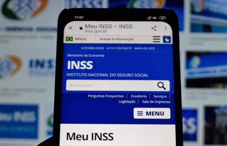 """Prova de vida: aposentado do INSS vai fazer """"selfie"""" para manter benefício"""
